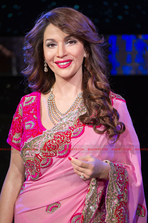 12mar madhuri tussauds02 Meeting my wax double today is very surreal   Madhuri unveils her statue at Madame Tussauds!