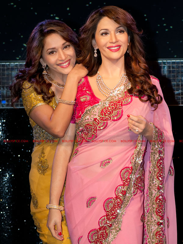 12mar madhuri tussauds05 Meeting my wax double today is very surreal   Madhuri unveils her statue at Madame Tussauds!