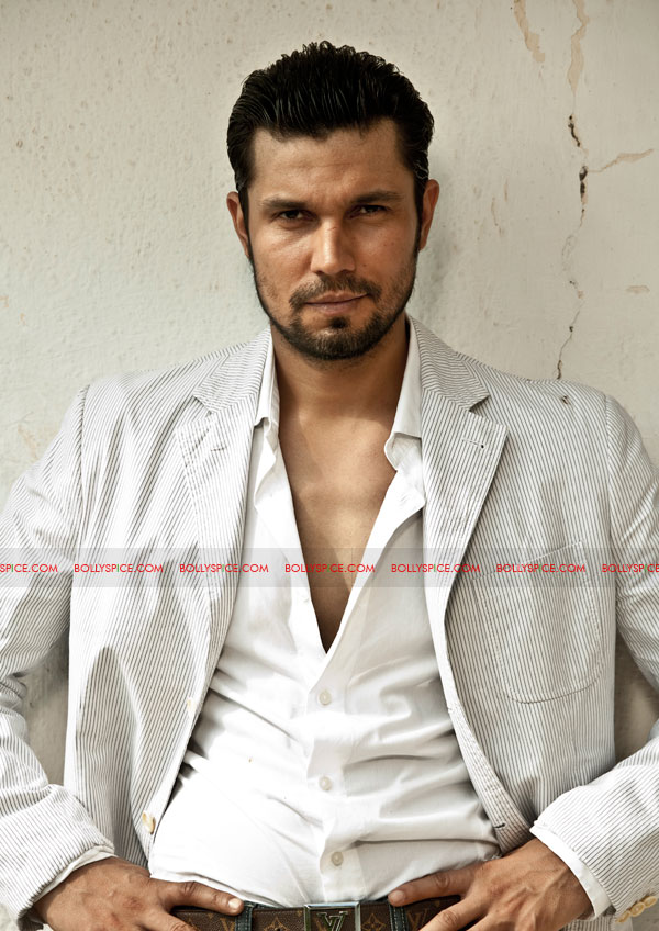 12mar randeep leaner Pooja Bhatt wants Randeep Hooda to become leaner and more muscular