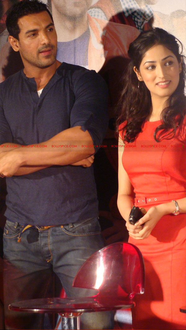 12mar vickydonorlaunch09 John Abraham at the launch of his maiden production Vicky Donor!