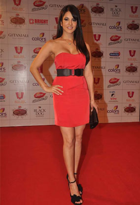 12mar whwnbalaji12 Whos Hot Whos Not: Balaji Global Television and Film Awards 2012