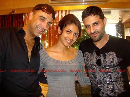 12apr Bollytastic RnP07 Raj&Pablos Bollytastic World: This Week John, Priyanka, Adnan and more!