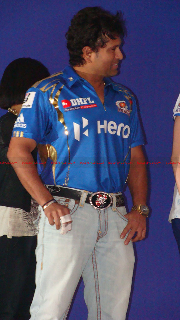 12apr disney mumbaiindians03 Mumbai Indians launch Disney consumer products