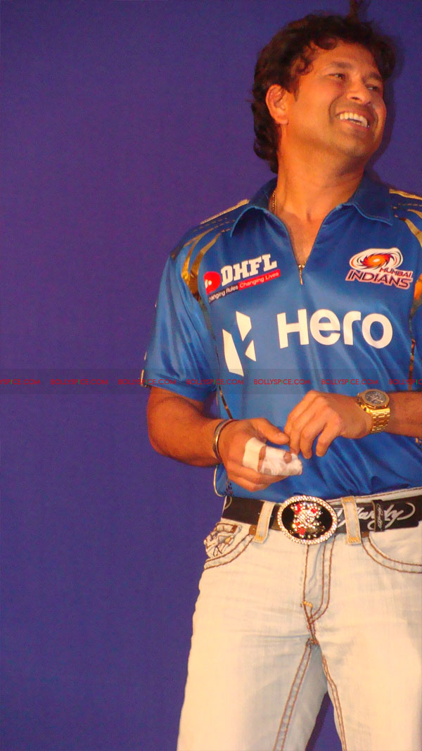 12apr disney mumbaiindians05 Mumbai Indians launch Disney consumer products