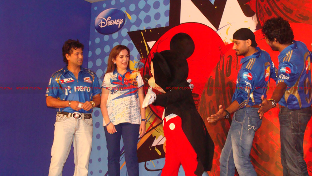 12apr disney mumbaiindians06 Mumbai Indians launch Disney consumer products