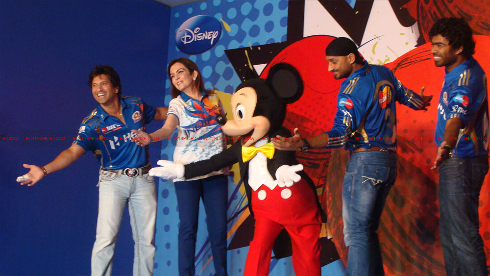12apr disney mumbaiindians07 Mumbai Indians launch Disney consumer products
