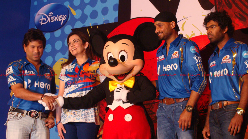 12apr disney mumbaiindians16 Mumbai Indians launch Disney consumer products