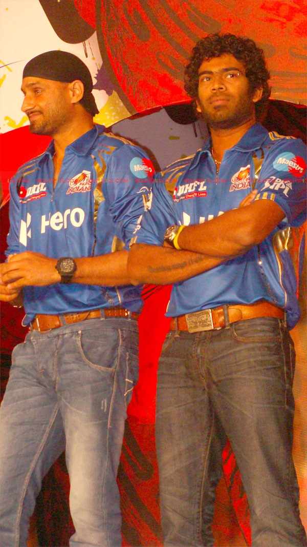 12apr disney mumbaiindians17 Mumbai Indians launch Disney consumer products