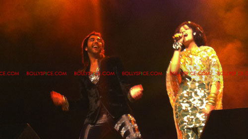 12apr sawant karan15 A Musical Night with Abhijit Sawant, Palak Muchhal & Karan Pangali in The Hague