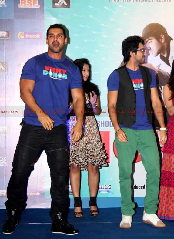 12apr vickydonor musiclaunch04 BollySpice at the Vicky Donor music launch