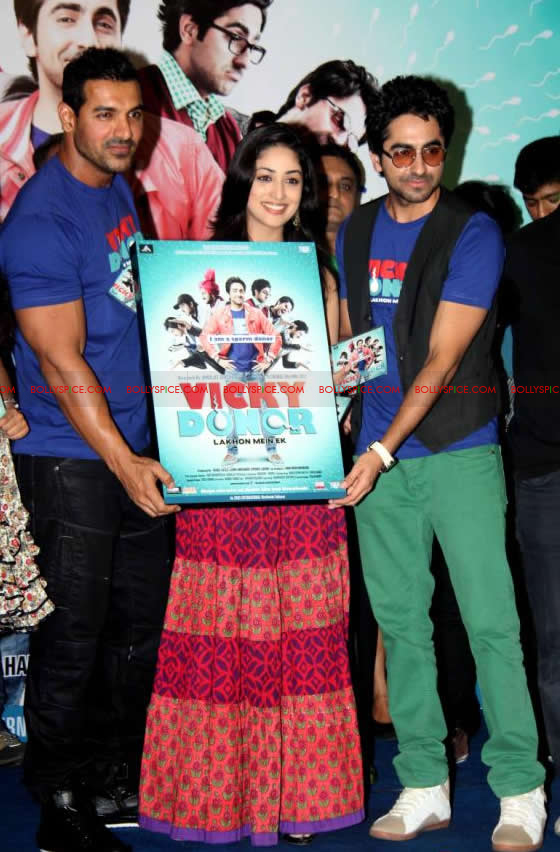 12apr vickydonor musiclaunch11 BollySpice at the Vicky Donor music launch