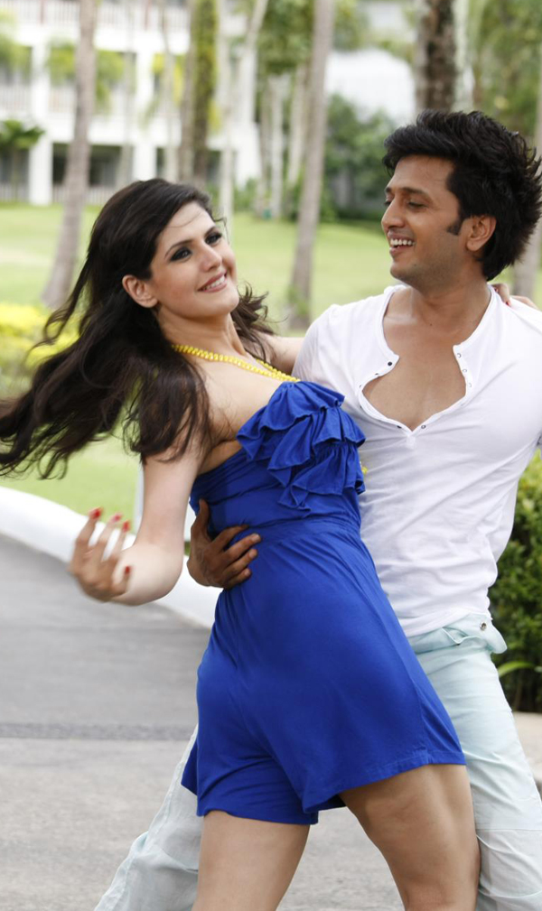 12apr zarine intrvw02 Zarine Khan talks Housefull 2!
