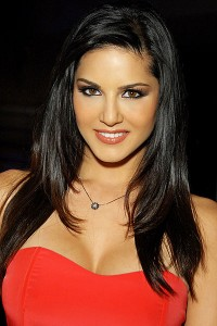 400px Sunny Leone 2012 200x300 Sunny Leone to steam up Ragini MMS 2