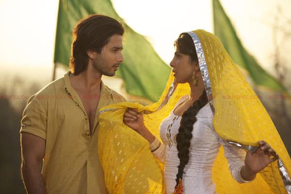 TMK02 Teri Meri Kahaani   Thrice Upon a Love Story