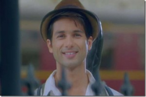 12may TMK shahidcontestwinners03 300x200 So was it Teri Meri Kahaanis Javed, Govind or Krish that Shahid fans pyaar best? Find out!