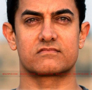 12may aamir starplus 300x291 Indian Oprah, Satyamev Jayate evokes mixed response!