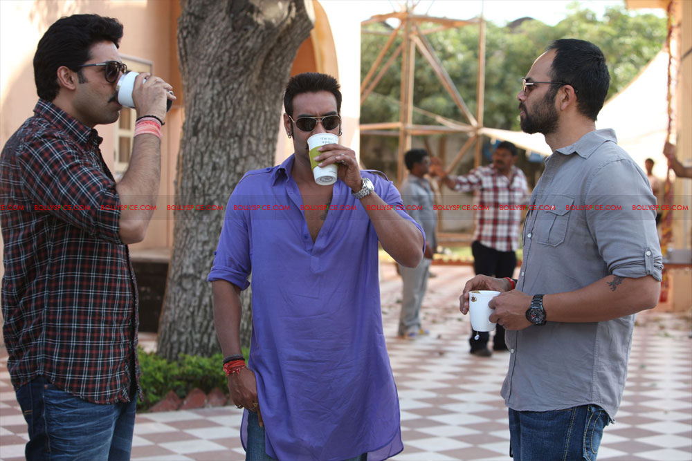 12may bolbachchanstills08 First Look: Bol Bachchan