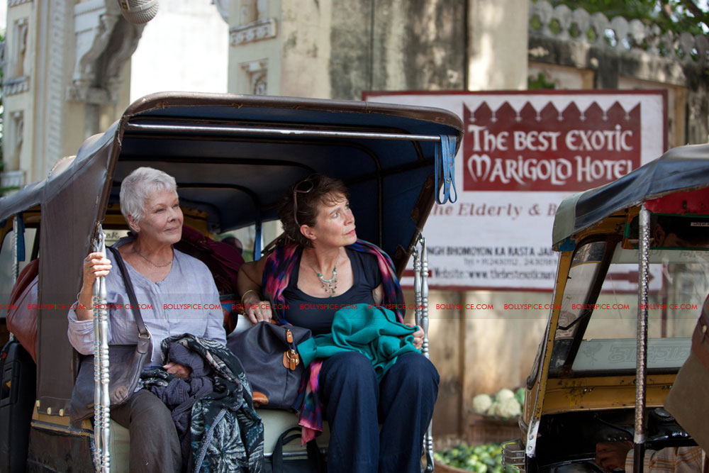 12may castofTBEMH04 India charms the multi talented cast of 'The Best Exotic Marigold Hotel'!