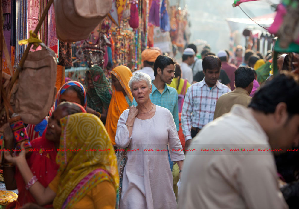 12may castofTBEMH05 India charms the multi talented cast of 'The Best Exotic Marigold Hotel'!