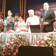 12may javed booklaunch13 185x185 Javed Akhtar's bestselling book 'Tarkash' launched in Marathi by Lataji