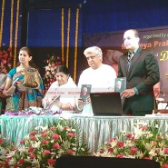 12may javed booklaunch16 185x185 Javed Akhtar's bestselling book 'Tarkash' launched in Marathi by Lataji