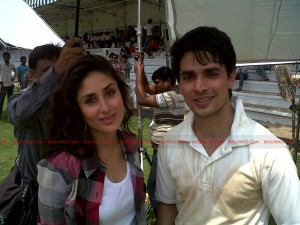 12may kareena limca02 300x225 Kareena Kapoor shoots Limca Advert with Ansh Bagri