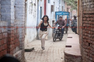 12may parineetichoprastunts 300x200 No stunts double for Parineeti Chopra