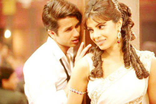 12may priyanka contestTMK03 Is it Priyanka as Radha, Rukhsar or Aradhna in Teri Meri Kahaani that fans love? Find out!