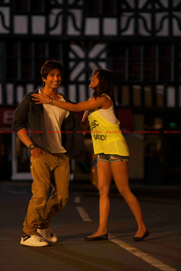 12may shahid exclusive pics02 Check it out: Exclusive pictures of Teri Meri Kahaani!