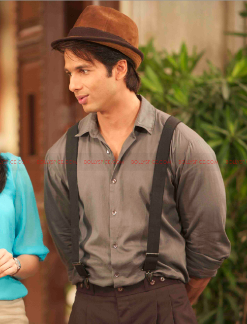 12may shahid exclusive pics04 Check it out: Exclusive pictures of Teri Meri Kahaani!