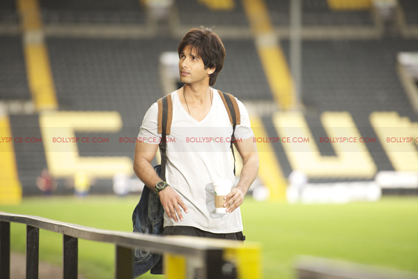 12may shahid exclusive pics05 Check it out: Exclusive pictures of Teri Meri Kahaani!