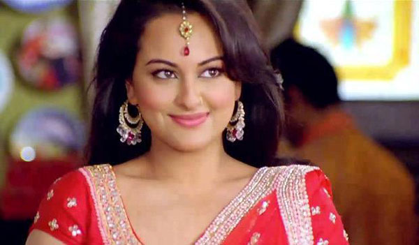 12may sonakshi intrvwRR01 I liked the idea of being slightly more mischievous as well as an outspoken girl in Rowdy Rathore   Sonakshi Sinha
