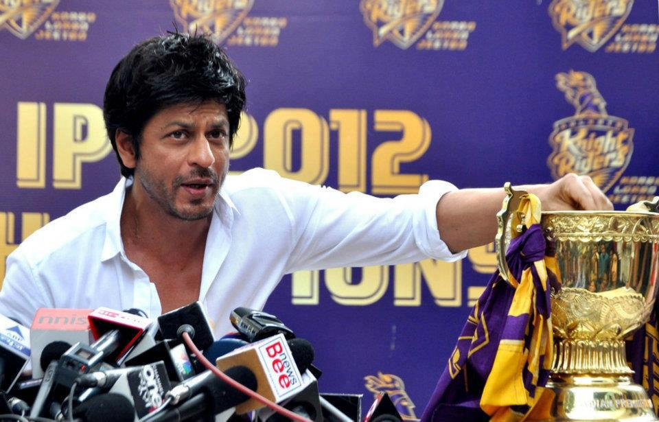 "12may srk kkr pressconf03 ""I felt for the first time in my life; that if I stood on the balcony and took off, I could fly"" – Shah Rukh Khan speaks on KKR Win"