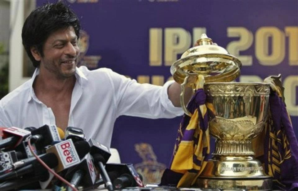 "12may srk kkr pressconf05 ""I felt for the first time in my life; that if I stood on the balcony and took off, I could fly"" – Shah Rukh Khan speaks on KKR Win"