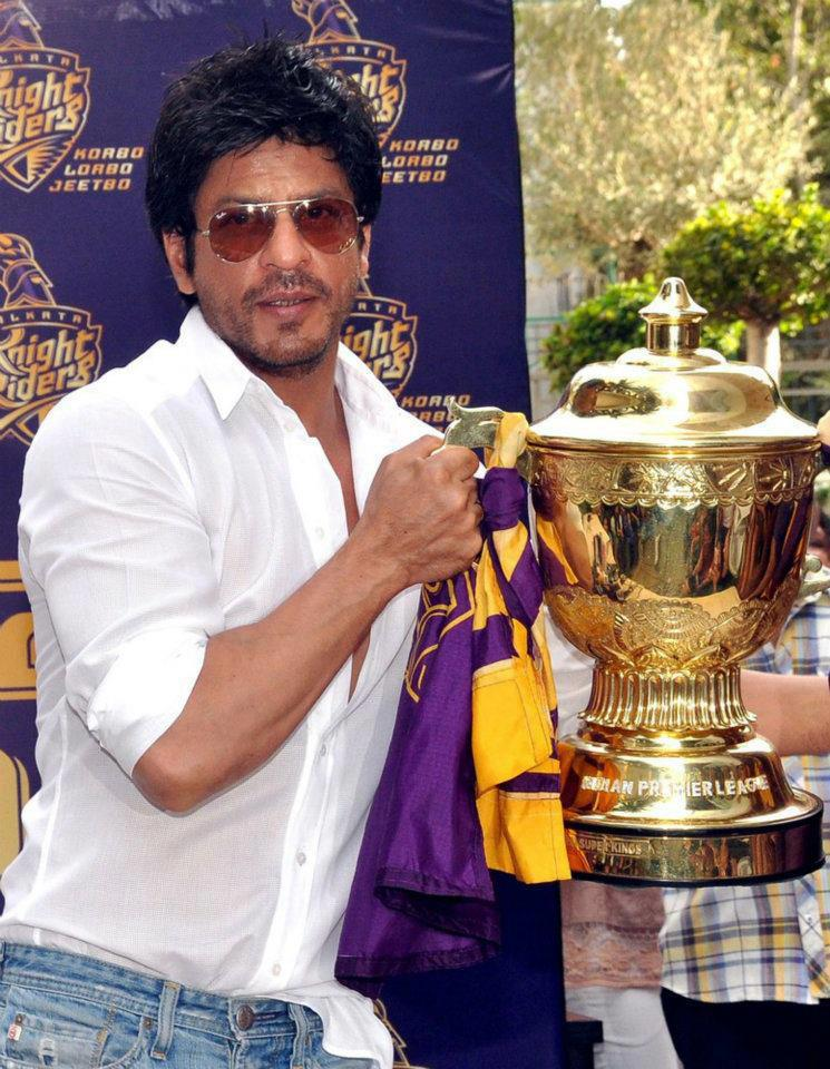 "12may srk kkr pressconf06 ""I felt for the first time in my life; that if I stood on the balcony and took off, I could fly"" – Shah Rukh Khan speaks on KKR Win"