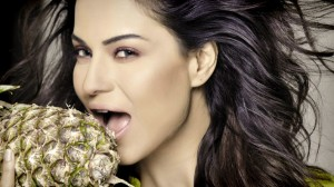 12may veena malik04 300x168 Veena Malik on controversies, If I sneeze tomorrow, it's going to be breaking news.