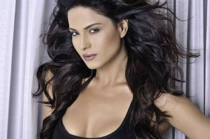 12may veena malik06 300x199 Veena Malik on controversies, If I sneeze tomorrow, it's going to be breaking news.