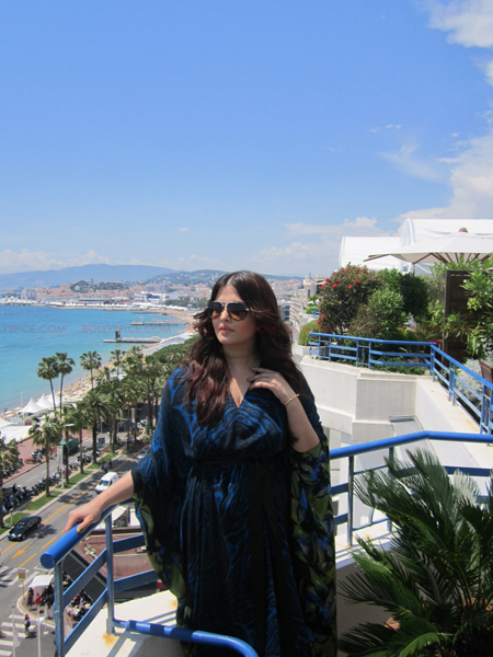 ash 5 @ media call copy Aishwarya in Roberto Cavalli   Need we say Gorgeous in Cannes Day 2? Exclusive!