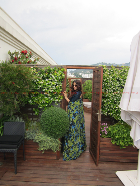 ash 6 @ media call copy Aishwarya in Roberto Cavalli   Need we say Gorgeous in Cannes Day 2? Exclusive!