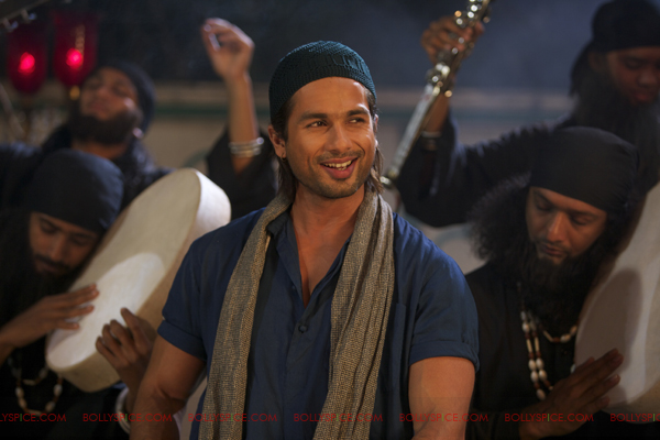 shahid javed shayaris Shayaris in Teri Meri Kahaani Remind Me Of Aamir – Shahid Kapoor