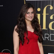 12jun IIFAgreencarpet40 185x185 Raj&Pablos Bollytastic World: IIFAs Award Show Green Carpet in Photos!