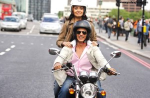 12jun SRK Anushka YRFnext UK01 300x196 Its Katrina, Anushka and Shah Rukh Shooting in London for Yash Chopras film!