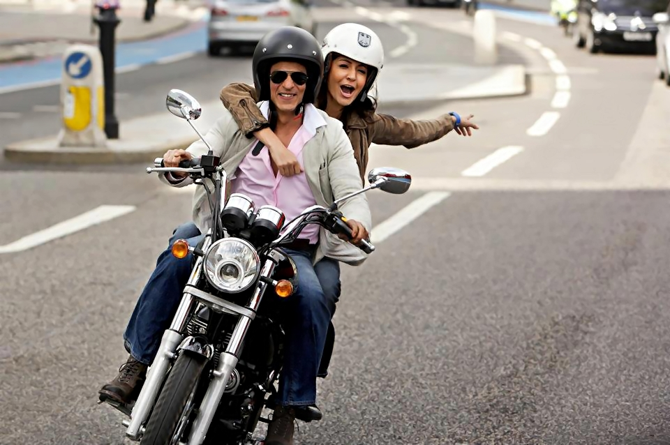 12jun SRK Anushka YRFnext02 New: Stills from YRF's Next featuring SRK and Anushka!
