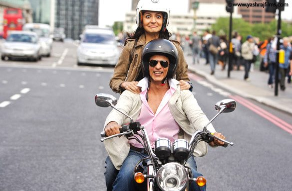 12jun SRK Anushka YRFnext03 New: Stills from YRF's Next featuring SRK and Anushka!