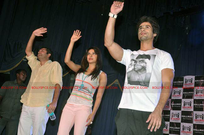 12jun TMK eventJaiHind03 Check out Shahid and Priyanka at the Teri Meri Kahaani Mumbai Events including riding a train!
