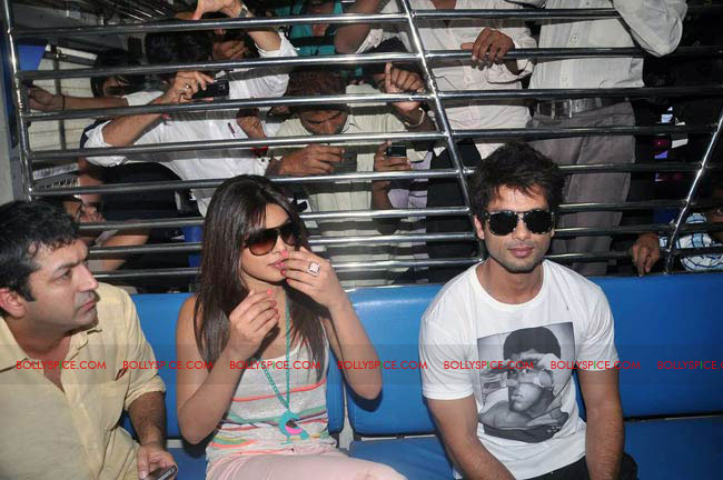 12jun TMK eventtrain03 Check out Shahid and Priyanka at the Teri Meri Kahaani Mumbai Events including riding a train!