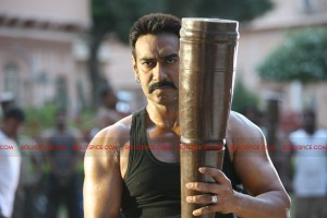 12jun ajaydevgn indianhulk 300x200 Ajay Devgn   The Indian Hulk!
