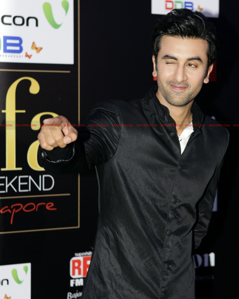 12jun kunal ranbir rishi IIFA03 Kunal Rawal styles father son duo at the IIFA Awards