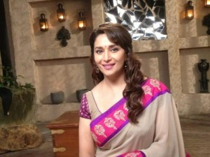 12jun madhuri sceneDedhIshqiya 300x225 Intimate Scenes for Madhuri