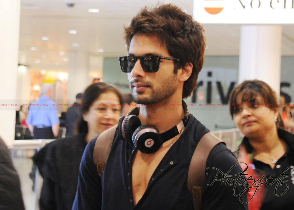 shahidTMKairport Shahid and Priyanka Arrive in London for Teri Meri Kahaani Premiere!